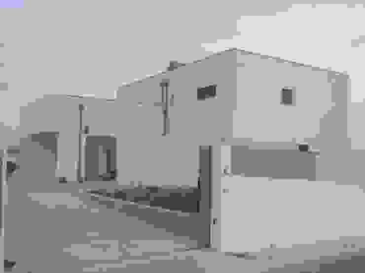 Arquitecto Aguiar Casas de estilo minimalista Piedra Blanco