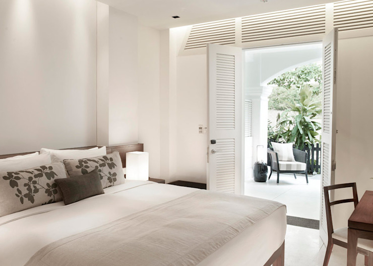 Guest Room Tropical style hotels by Deirdre Renniers Interior Design Tropical