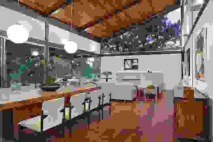 ห้องทานข้าว by David Guerra Arquitetura e Interiores
