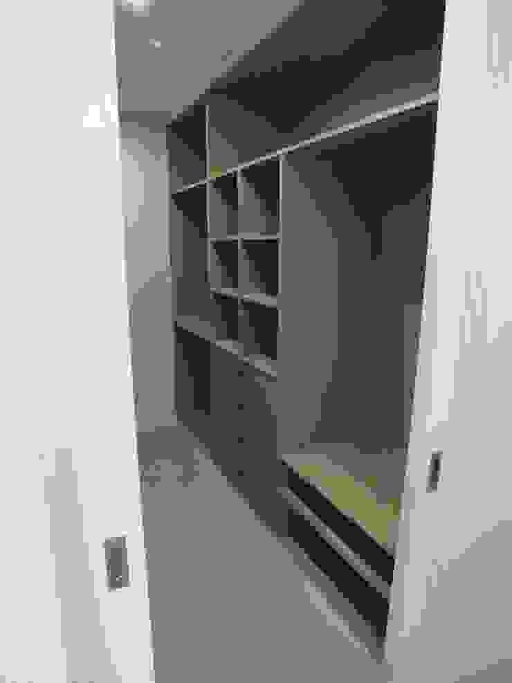 Moradia Urzal Closets modernos por Belgas Constrói Lda Moderno