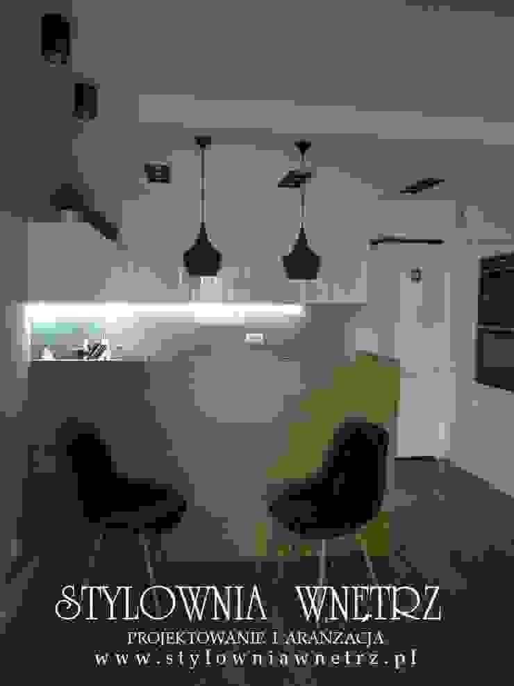 Stylownia Wnętrz Modern kitchen Wood White