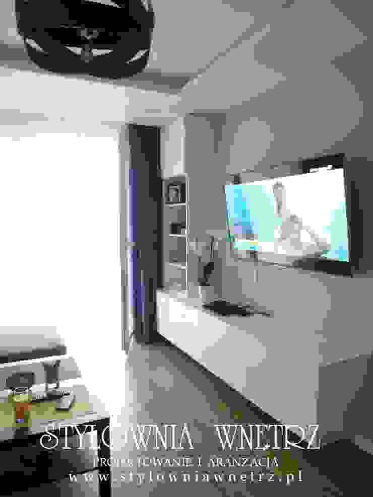 Stylownia Wnętrz Modern living room Wood Wood effect