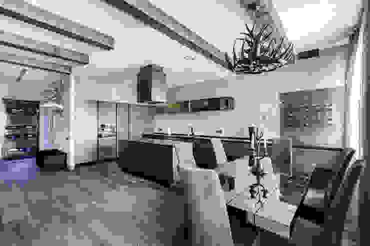 Квартира в стиле Современное шале Кухня в рустикальном стиле от Дизайн Мира Рустикальный