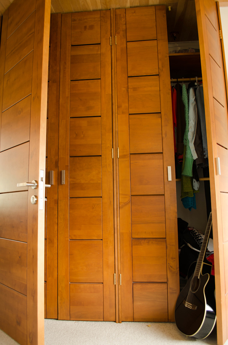 Ignisterra S.A. Modern windows & doors Wood Brown