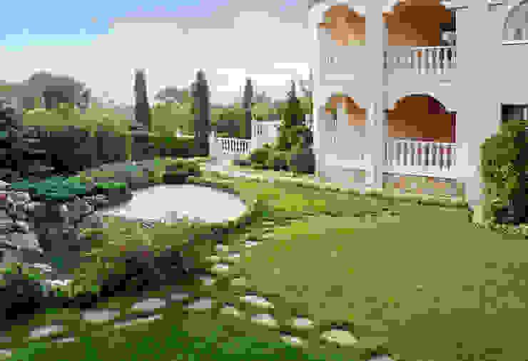 Гостиничный комплекс, г. Геленджик Сад в средиземноморском стиле от Вечные ценности Средиземноморский