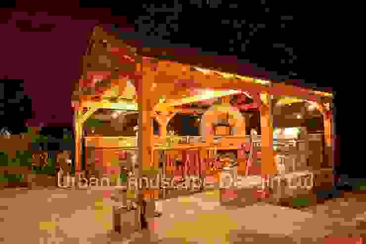 Outdoor Kitchen & Oak Building:  Garden by Urban Landscape Design Ltd,