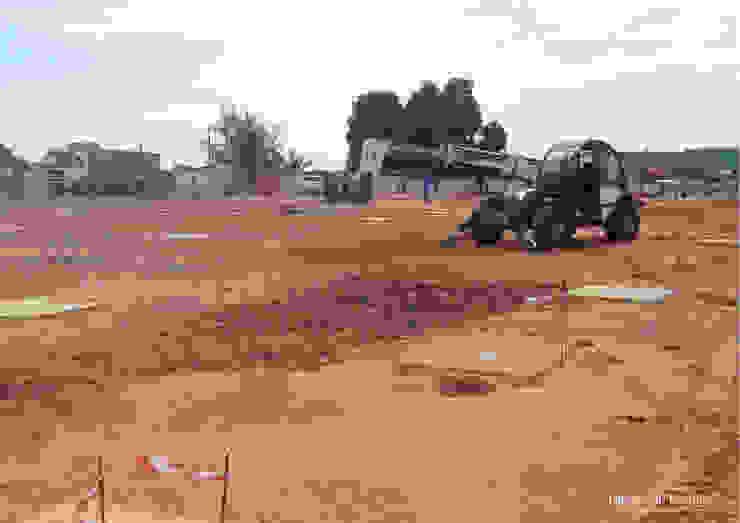 Bahia Comercial - em construção: conclusão das sapatas — em Pemba, Cabo Delgado. por Esfera de Imagens Lda