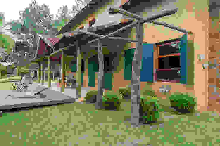 Casas de estilo rústico de Valquiria Leite Arquitetura e Urbanismo Rústico