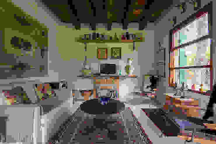 Salas de estilo rústico de Valquiria Leite Arquitetura e Urbanismo Rústico