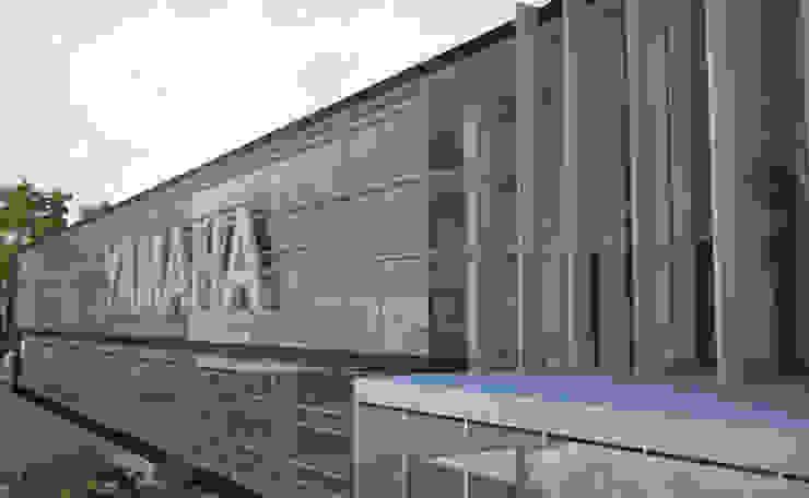 Tienda Yamaha Insurgentes Estudios y despachos modernos de Arquitectos M253 Moderno