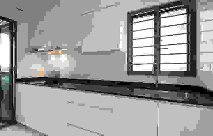 Dawson Renovation Scandinavian style kitchen by Designer House Scandinavian Plywood