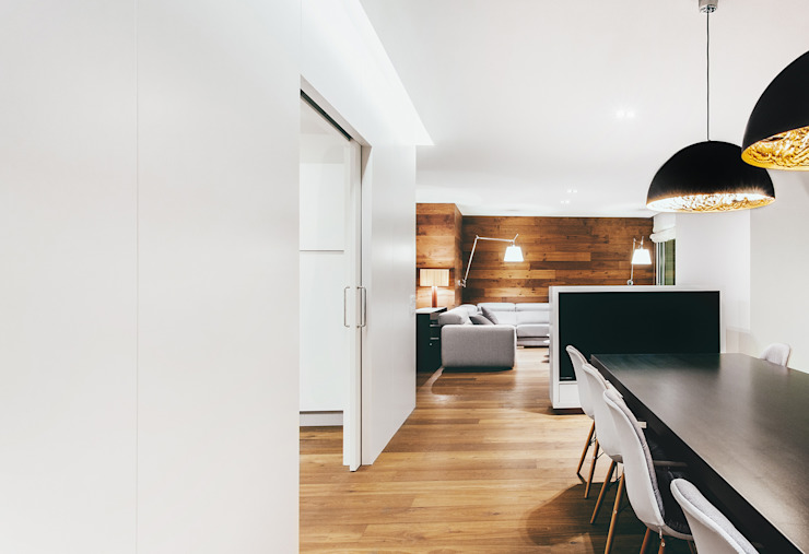 Modern dining room by dom arquitectura Modern