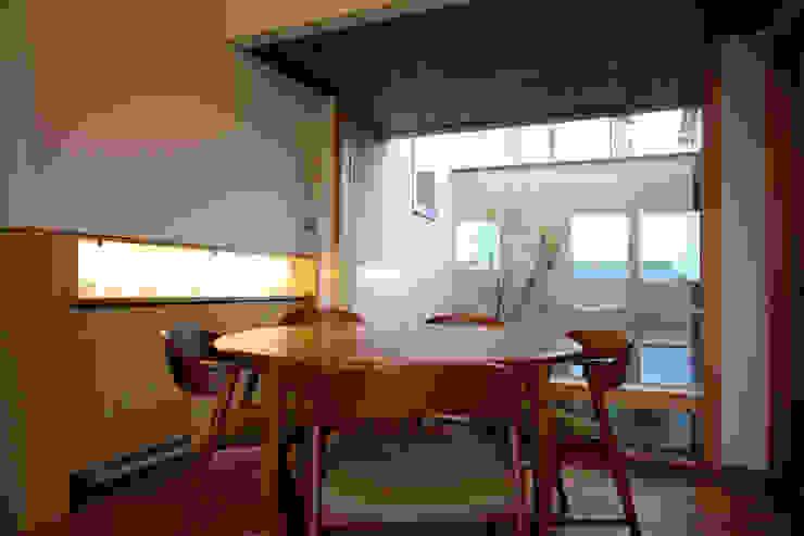 C邸ー大きな屋根の家 和風デザインの ダイニング の C-design吉内建築アトリエ 和風