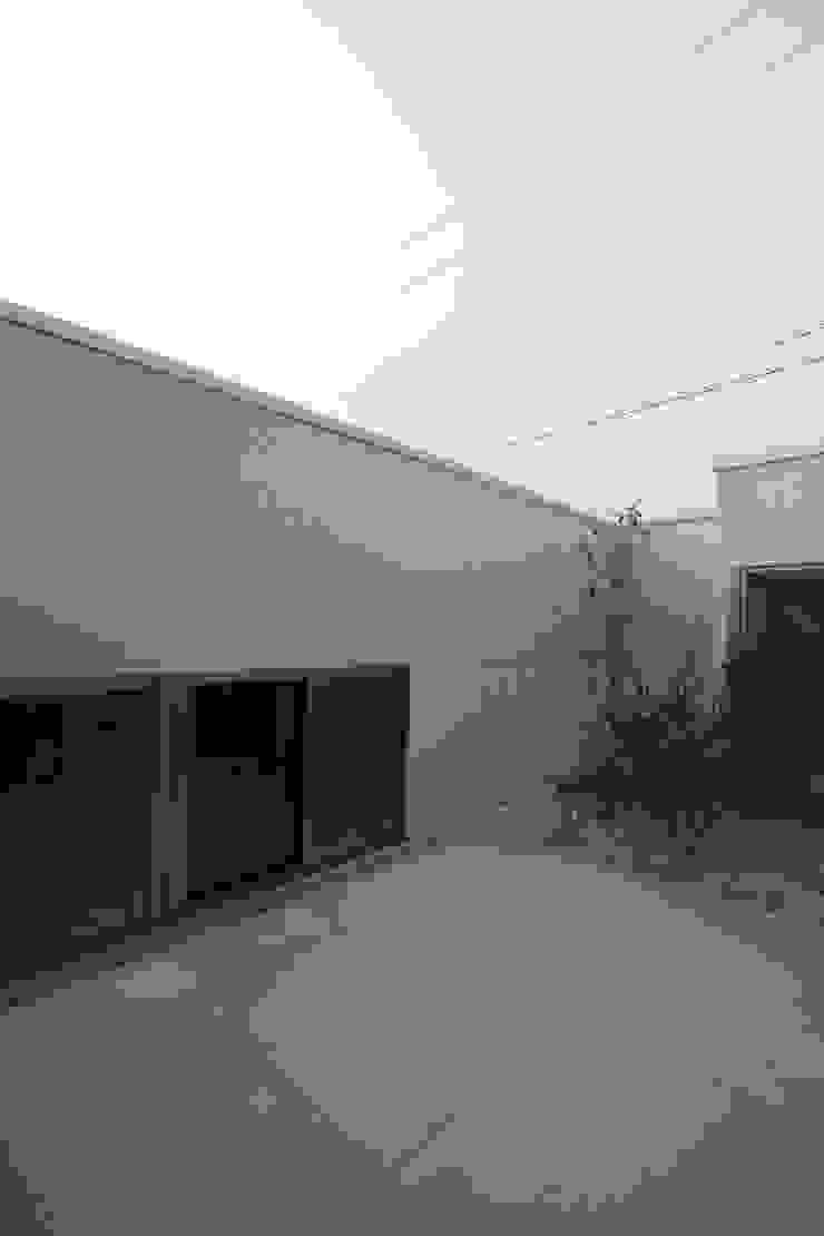 Modern Terrace by C-design吉内建築アトリエ Modern