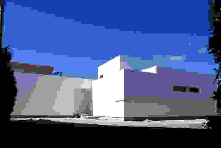 白の家 モダンな 家 の BDA.T / ボーダレスドロー モダン