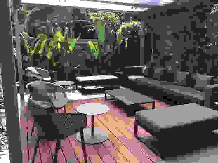 Jardins modernos por BURESINNOVA S.A. Moderno