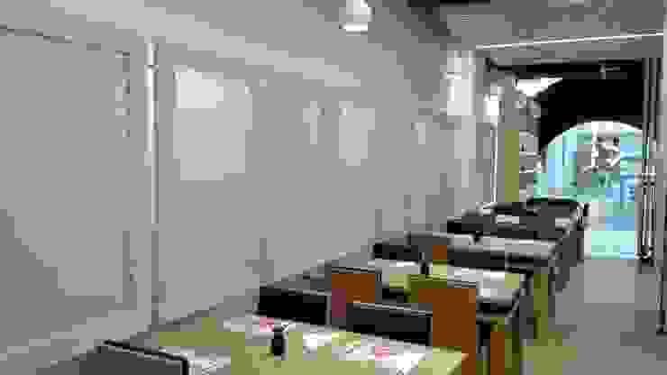 Carpintarias e Mobiliário em Restaurante de Centro Comercial por FRANCISCO MARTINS & FILHOS LDA