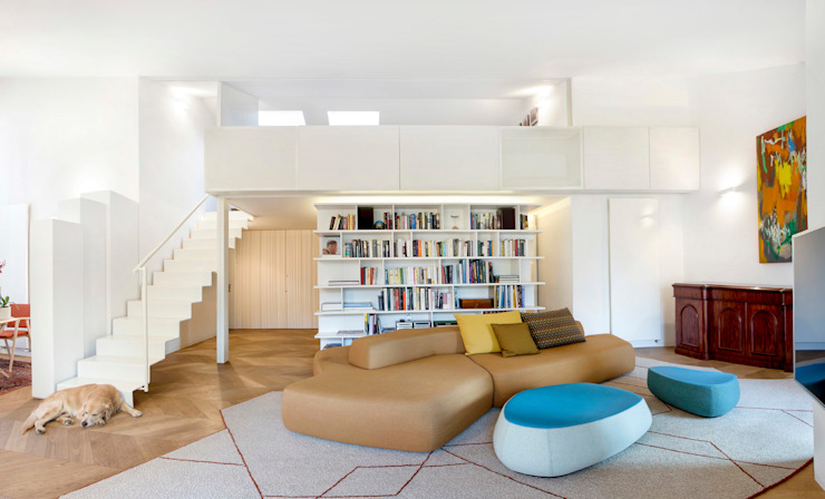 Bartoli Design's new apartment renewal; 210 square meters of light and relax Modern Living Room by BARTOLI DESIGN Modern