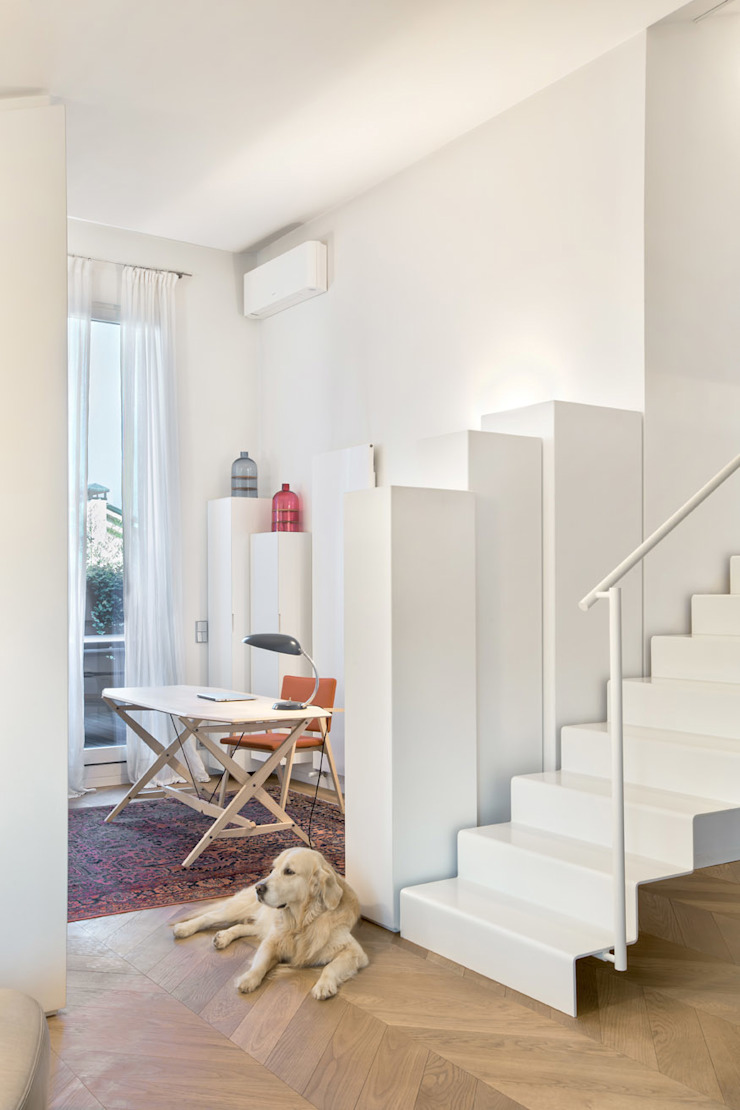 Bartoli Design's new apartment renewal; 210 square meters of light and relax Modern Study Room and Home Office by BARTOLI DESIGN Modern