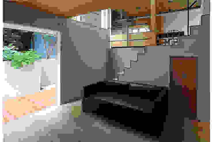 Ruang Keluarga by 株式会社Fit建築設計事務所