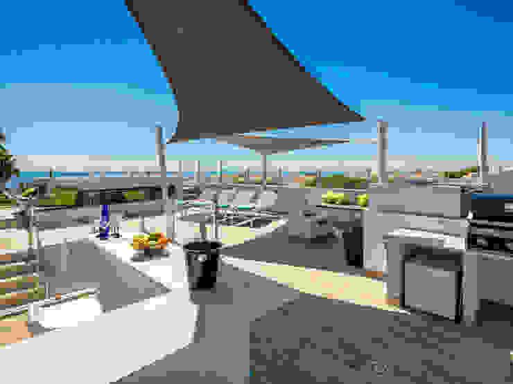 Casa Milhafre: Terraços  por Hi-cam Portugal,Moderno