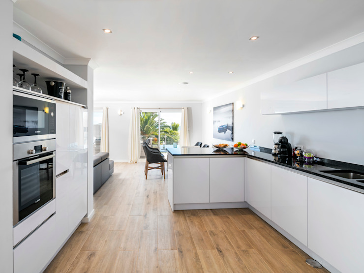 Casa Milhafre Cozinhas modernas por Hi-cam Portugal Moderno