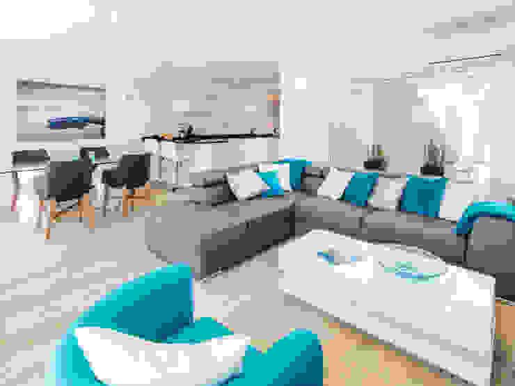 Casa Milhafre: Salas de estar  por Hi-cam Portugal,Moderno