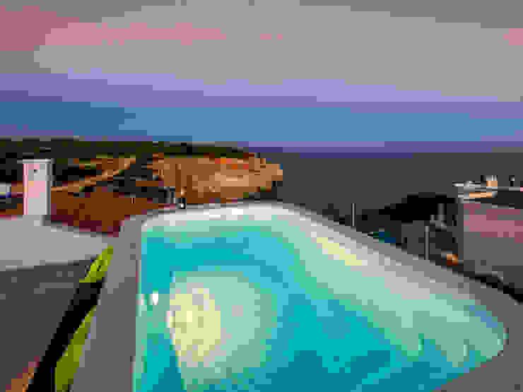 Casa Milhafre Piscinas modernas por Hi-cam Portugal Moderno