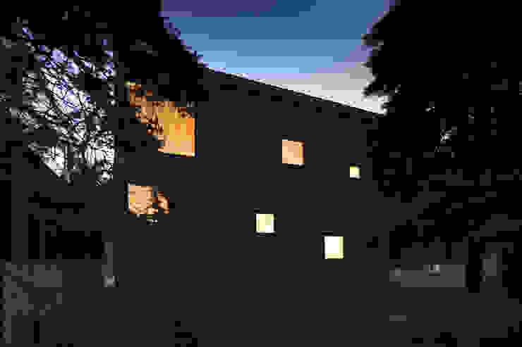 โดย 一級建築士事務所 Atelier Casa ผสมผสาน เหล็ก