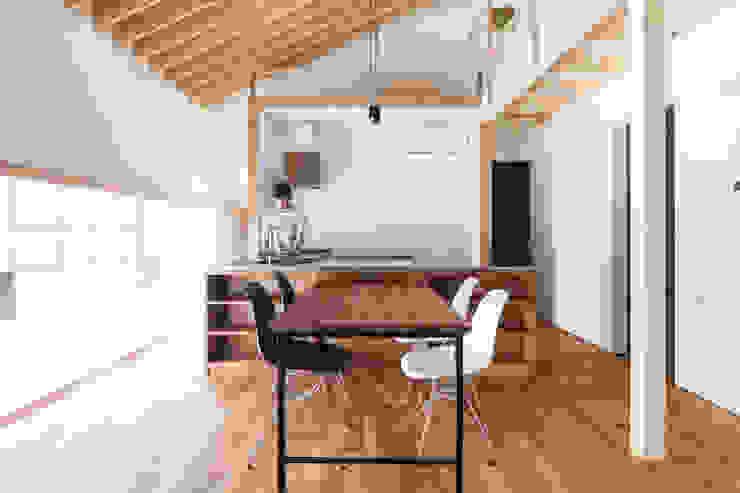 キッチン-3 オリジナルデザインの キッチン の 一級建築士事務所 Atelier Casa オリジナル 無垢材 多色