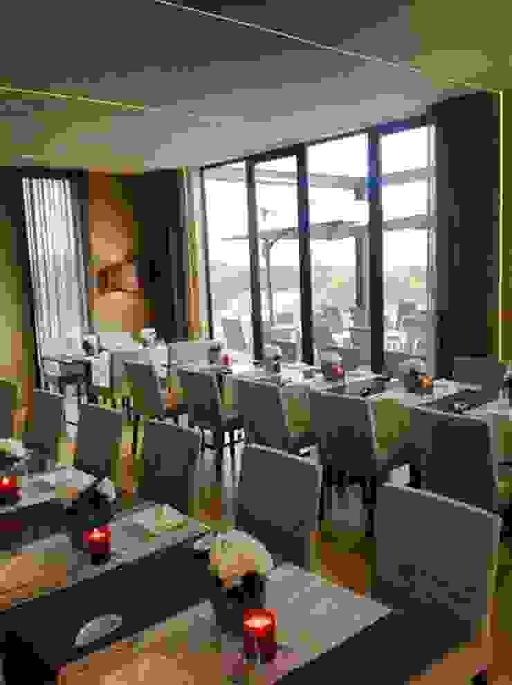 RESTAURANTE AREIA CARREÇO VIANA DO CASTELO Salas de jantar modernas por ROSA PURA HOME STORE Moderno