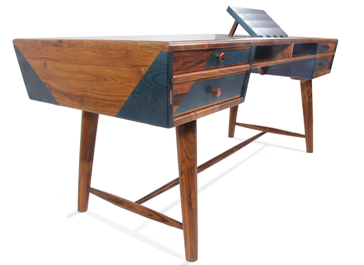 Aizvara: A solid wood executive desk: modern  by Alankaram,Modern Solid Wood Multicolored