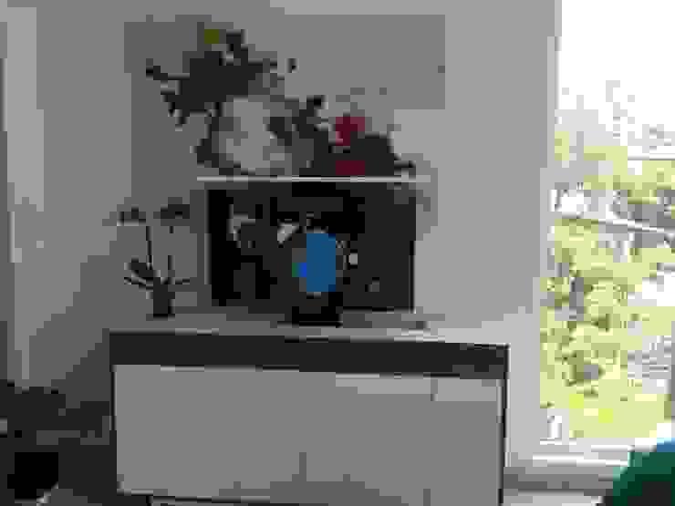 D'Terrace 805 Unit Salones minimalistas de DECO Designers Minimalista