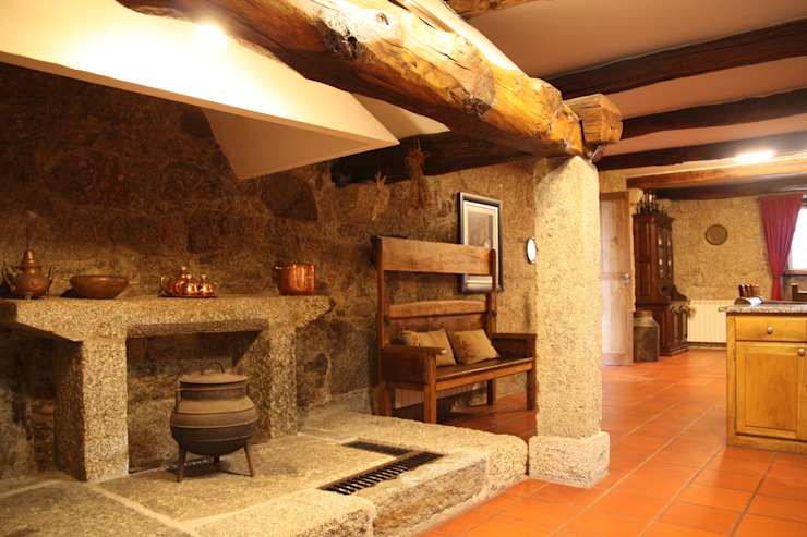 by Valdemar Coutinho Arquitectos Rustic