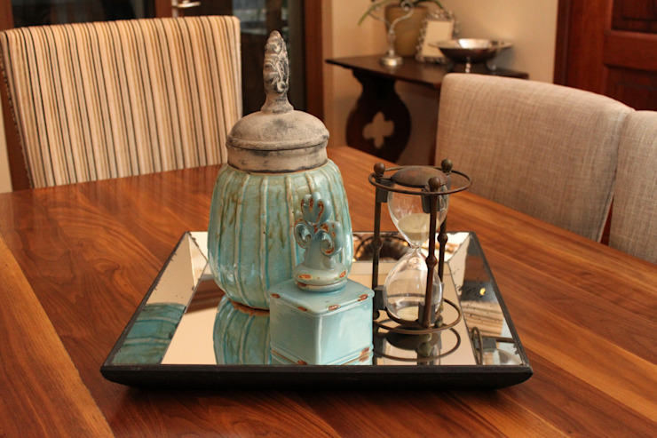 Accessories: classic  by Inside Out Interiors, Classic