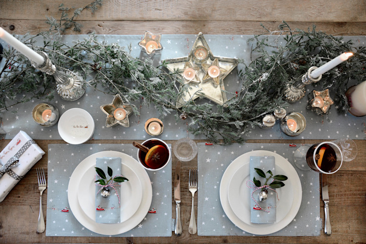 Sophie Allport Starry Night Christmas Tableware di homify Rurale Cotone Rosso