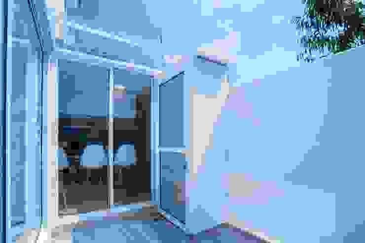 HO arquitectura de interiores Moderner Balkon, Veranda & Terrasse