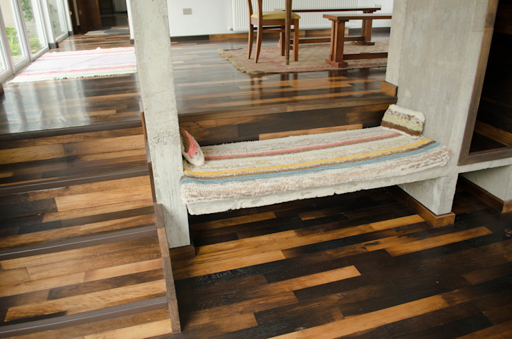 Piso de duelas. Paredes y pisos de estilo colonial de Ignisterra S.A. Colonial Madera Acabado en madera