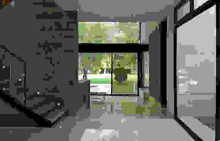 casaNE Pasillos, vestíbulos y escaleras modernos de BAG arquitectura Moderno Cerámico