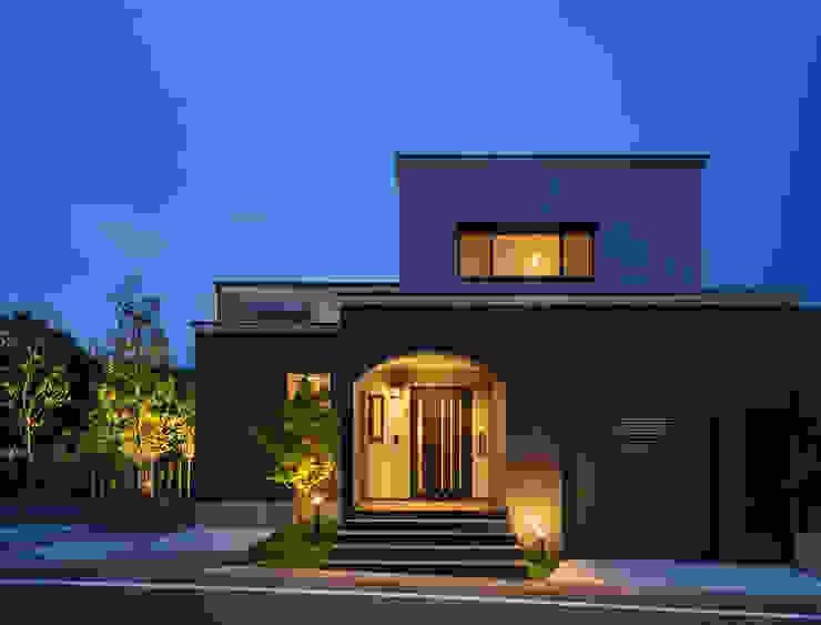 現代房屋設計點子、靈感 & 圖片 根據 株式会社 SYN空間計画 一級建築事務所 現代風