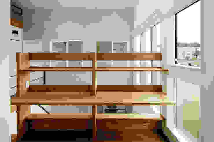 鄉村風格的走廊,走廊和樓梯 根據 &lodge inc. / 株式会社アンドロッジ 田園風