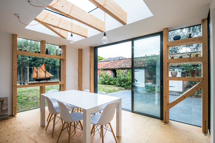 dining room:  Dining room by Thomas & Spiers Architects, Modern Engineered Wood Transparent