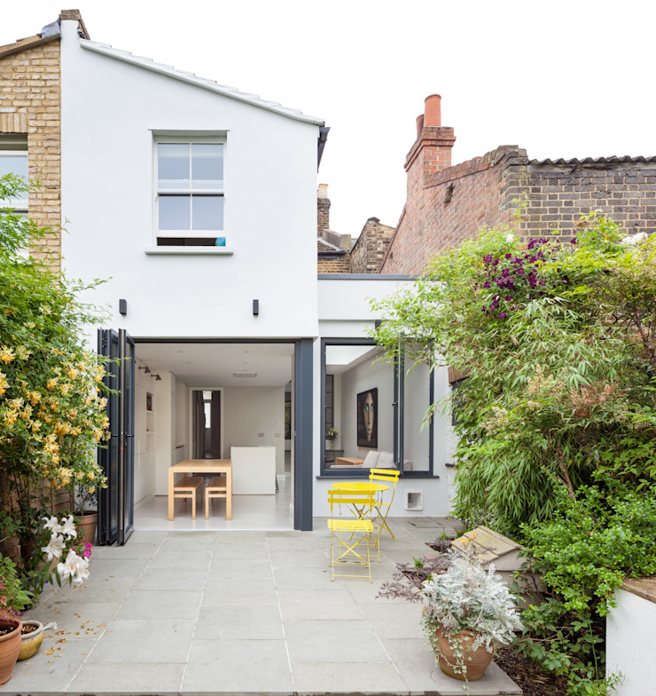 folding doors Modern houses by TAS Architects Modern