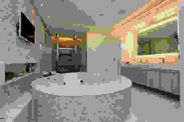 Baños de estilo moderno de Eveline Sampaio Arquiteta e Designer de Interiores Moderno