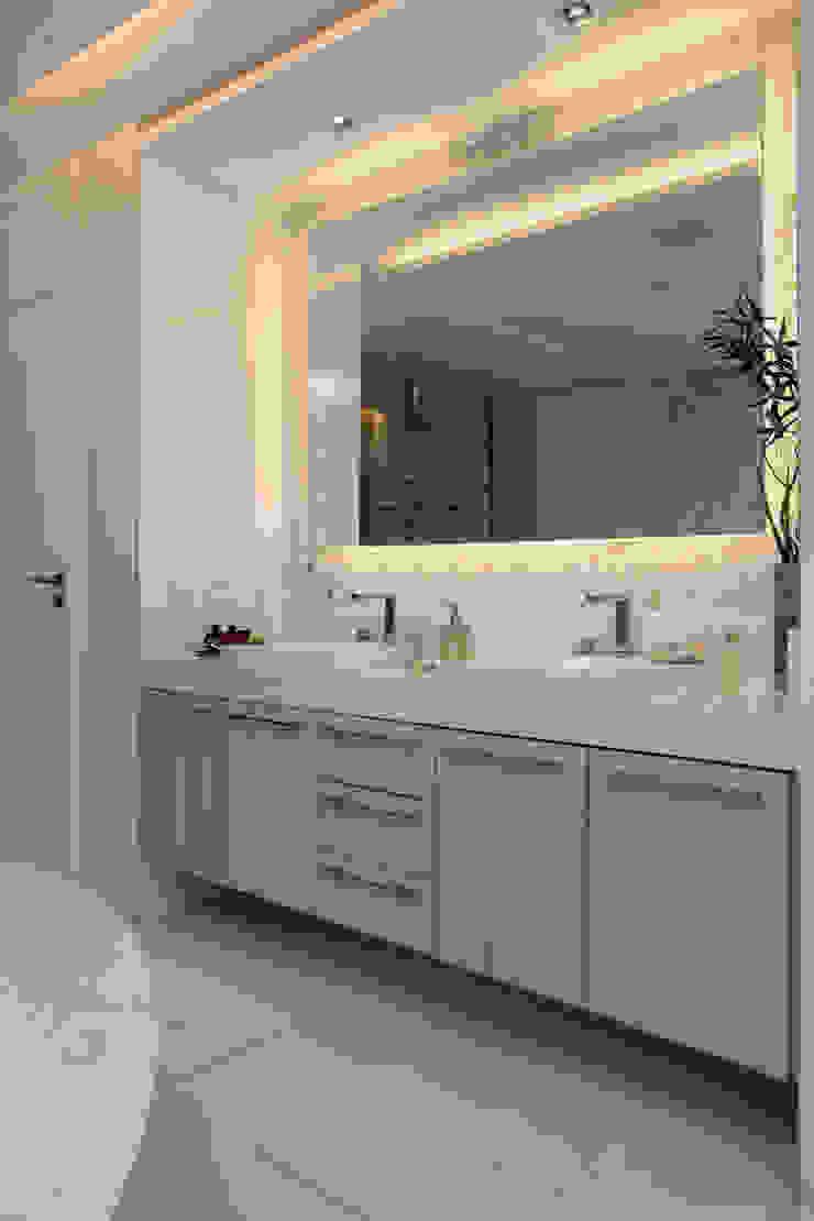 Baños de estilo moderno de Eveline Sampaio Arquiteta e Designer de Interiores Moderno Mármol