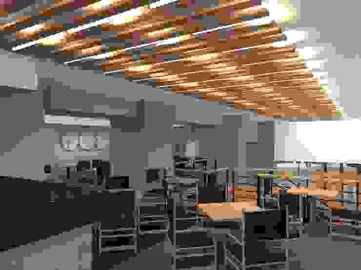 Sushi Itto Escobedo Gastronomía de estilo moderno de Arq. Jacobo Smeke Moderno