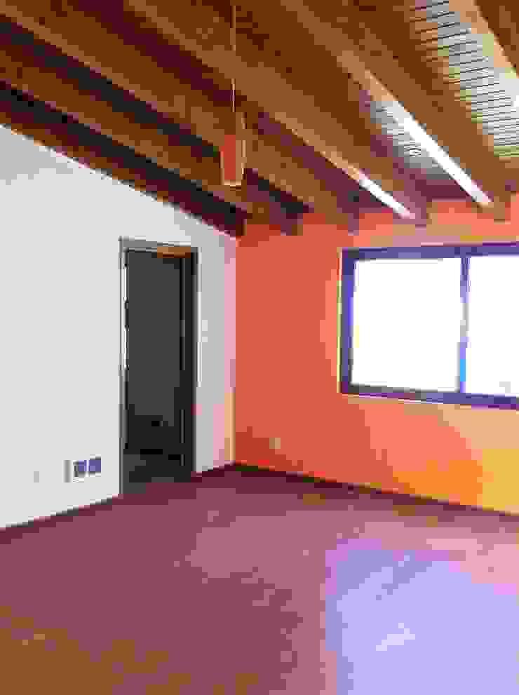 GRUPO ESGO Modern style bedroom