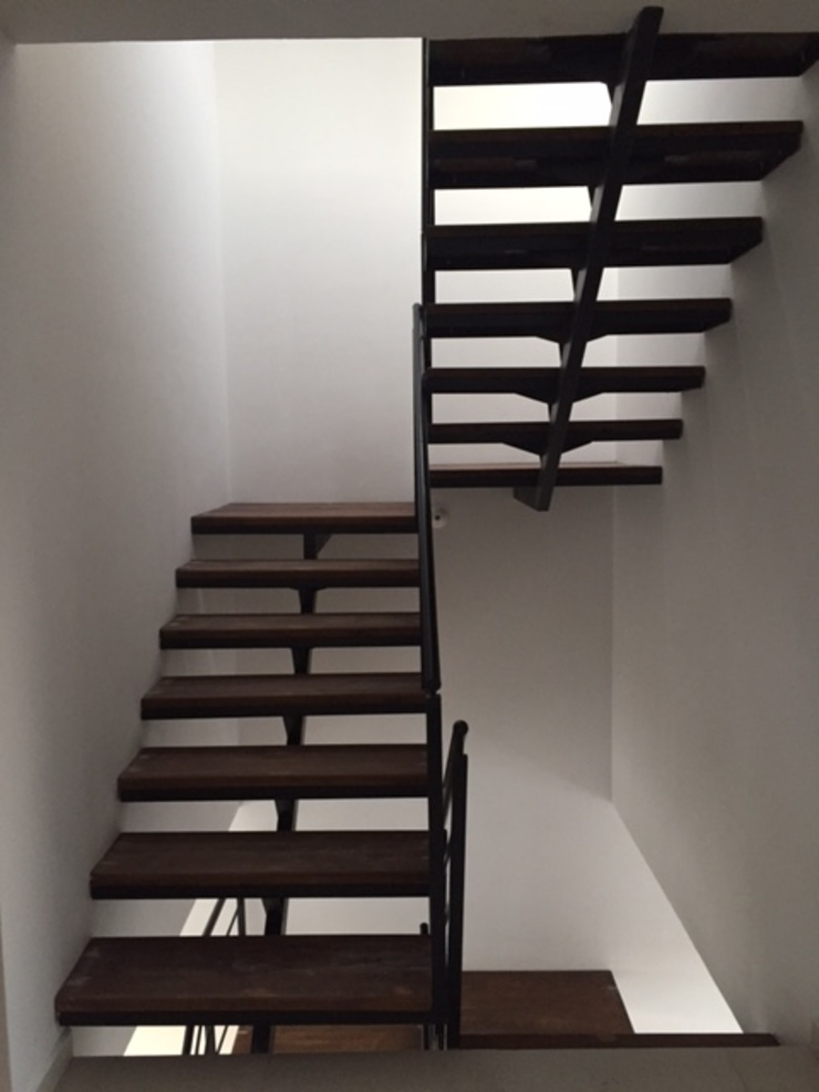Escaleras de Ambás Arquitectos Moderno
