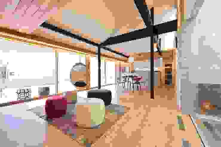 غرفة المعيشة تنفيذ ダトリエ一級建築士事務所 LLC,