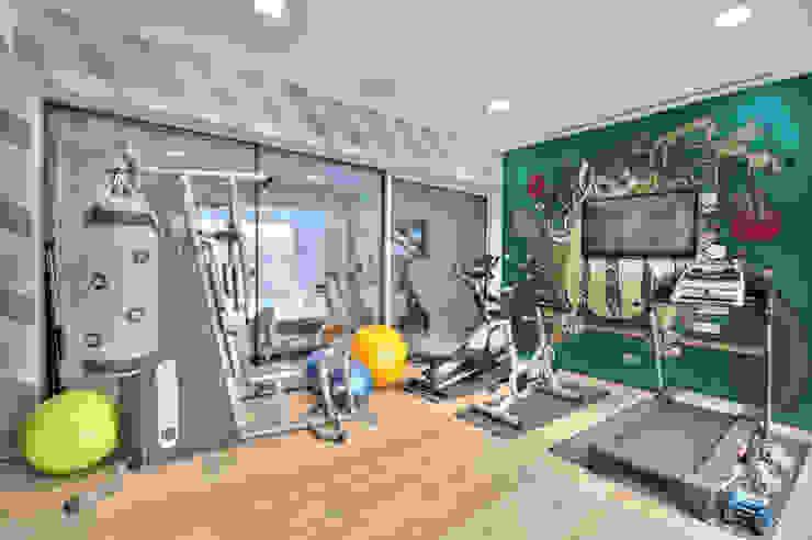 Workout Moderner Fitnessraum von Pixers Modern